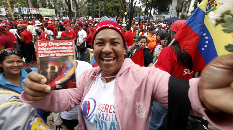 mujer bolivraiana