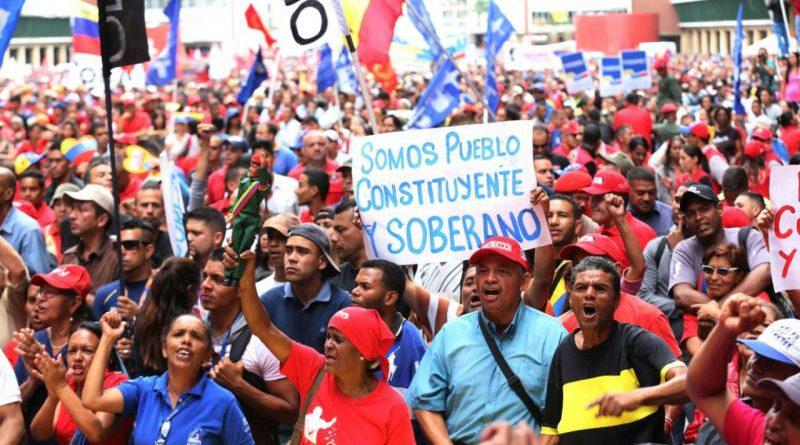 """""""En Venezuela se está debatiendo la posibilidad de existir de una fuerza política histórica, que es la del pueblo"""""""