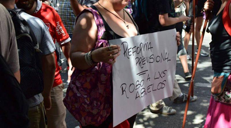 Paro y protestas en distintos puntos de la ciudad para repudiar la reforma jubilatora