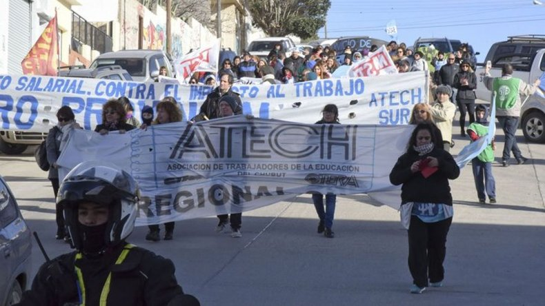 Chubut: Se profundiza la lucha docente ante la falta de respuesta del Gobierno Provincial
