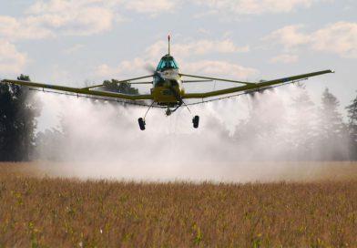Tres productores agropecuarios procesados por contaminación al fumigar
